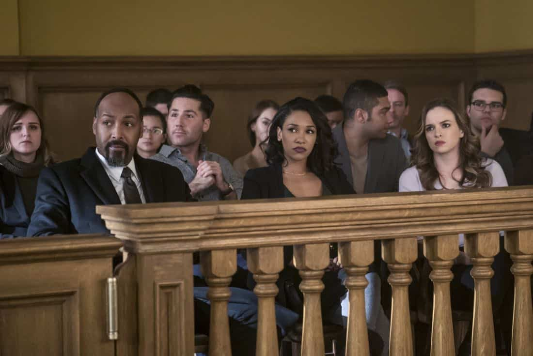 """The Flash -- """"The Trial of The Flash"""" -- Image Number: FLA410a_0078b.jpg -- Pictured (L-R): Jesse L. Martin as Detective Joe West, Candice Patton as Iris West and Danielle Panabaker as Caitlin Snow -- Photo: Katie Yu/The CW -- © 2017 The CW Network, LLC. All rights reserved"""
