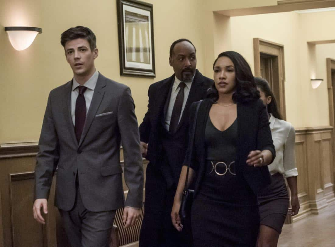 """The Flash -- """"The Trial of The Flash"""" -- Image Number: FLA410b_0142b .jpg -- Pictured (L-R): Grant Gustin as Barry Allen, Jesse L. Martin as Detective Joe West and Candice Patton as Iris West -- Photo: Katie Yu/The CW -- © 2017 The CW Network, LLC. All rights reserved"""