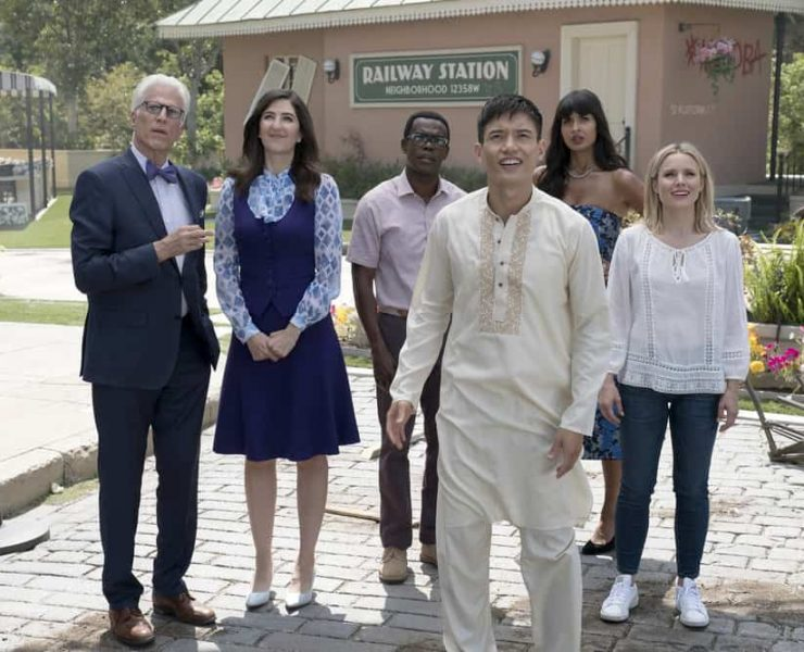 """THE GOOD PLACE -- """"Best Self"""" Episode 210 -- Pictured: (l-r) Ted Danson as Michael, D'Arcy Carden as Janet, William Jackson Harper as Chidi, Manny Jacinto as Jianyu, Jameela Jamil as Tehani, Kristen Bell as Eleanor -- (Photo by: Colleen Hayes/NBC)"""