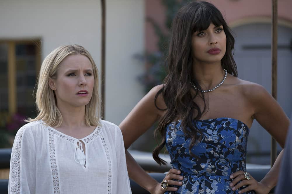 """THE GOOD PLACE -- """"Best Self"""" Episode 210 -- Pictured: (l-r) Kristen Bell as Eleanor, Jameela Jamil as Tehani -- (Photo by: Colleen Hayes/NBC)"""