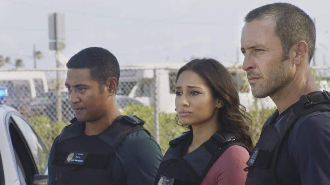 """""""O ka mea ua hala, ua hala ia.""""-- When a man accused of killing his wife threatens to commit suicide, Grover reveals how he too was once on the brink of taking his own life, on HAWAII FIVE-0, Friday, Jan. 12 (9:00-10:00 PM, ET/PT) on the CBS Television Network. Chi McBride appears in a PSA for the National Suicide Prevention Lifeline at the end of the episode. Pictured left to right: Beulah Koale as Junior Reigns, Meaghan Rath as Tani Rey and Alex O'Loughlin as Steve McGarrett. Photo credit: Screengrab/©2017 CBS Broadcasting, Inc. All Rights Reserved.   (""""O ka mea ua hala, ua hala ia."""" is Hawaiian for """"What is Gone is Gone."""")"""