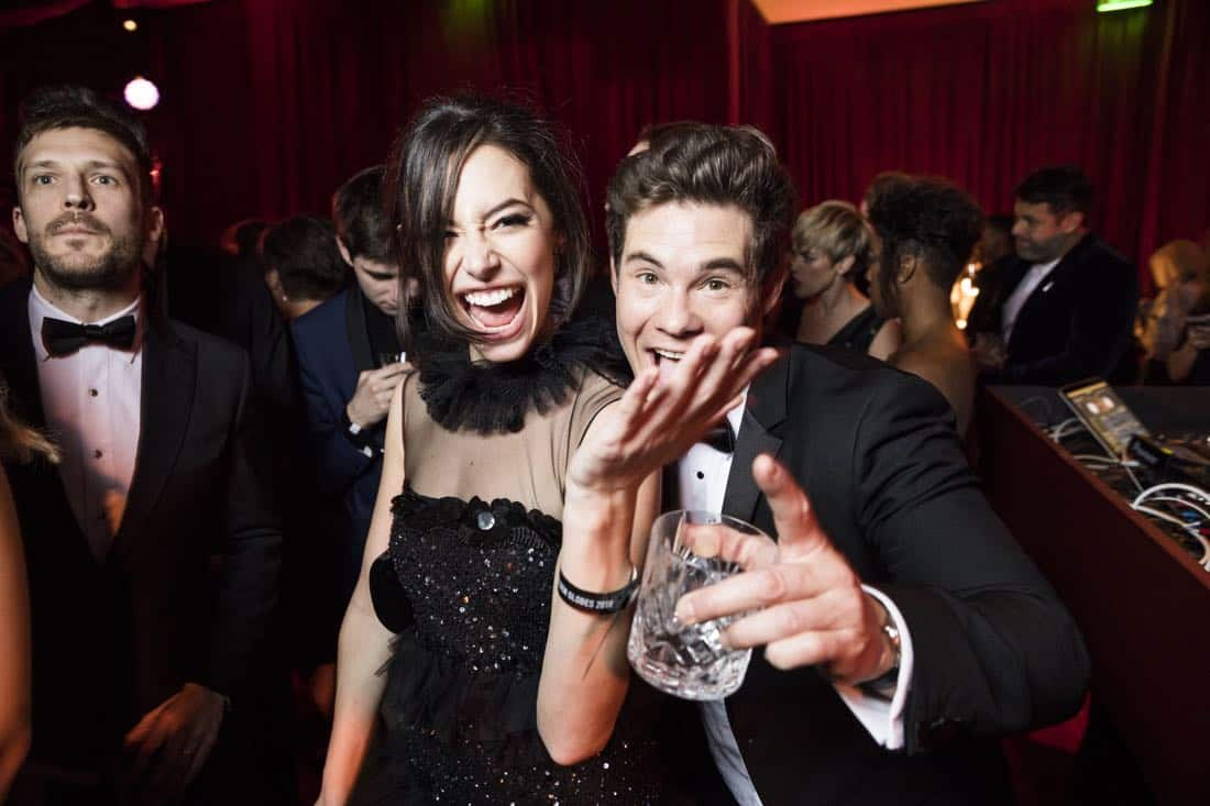 Golden Globes 2018 - Adam Devine, Chloe Bridges
