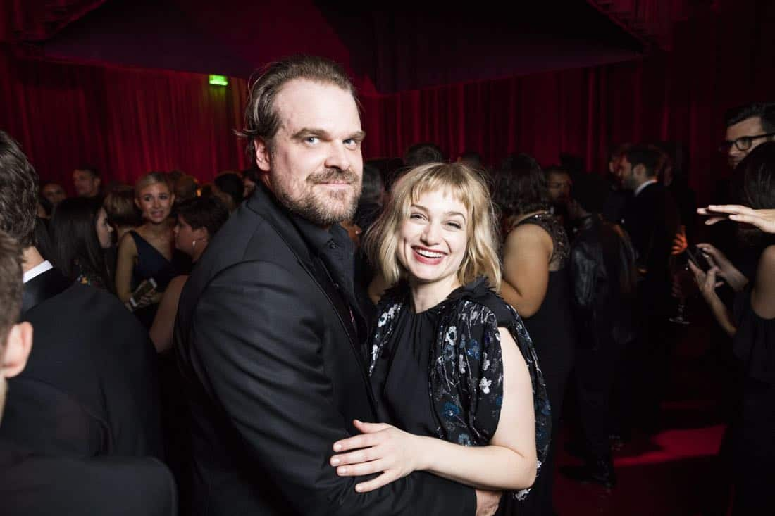 Golden Globes 2018 - David Harbour with girlfriend