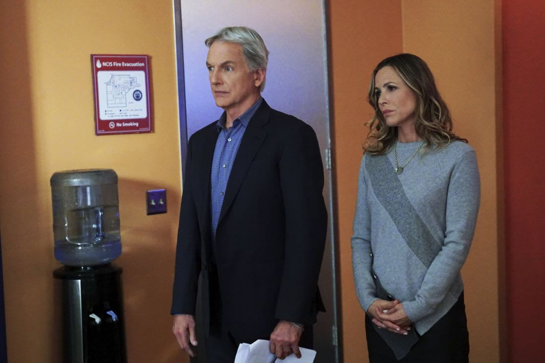 """""""Family Ties"""" -- After McGee and Torres visit the home of a high schooler who witnessed a hit and run, her parents, Christopher (Jamie Kaler) and Julie Bell (Gabrielle Carteris), flee with their daughter, leaving NCIS in the lurch. Also, Vance's daughter is arrested for shoplifting, on NCIS, Tuesday, Jan. 23 (8:00-9:00 PM, ET/PT) on the CBS Television Network. Pictured: Mark Harmon, Maria Bello. Photo: Monty Brinton/CBS ©2017 CBS Broadcasting, Inc. All Rights Reserved"""