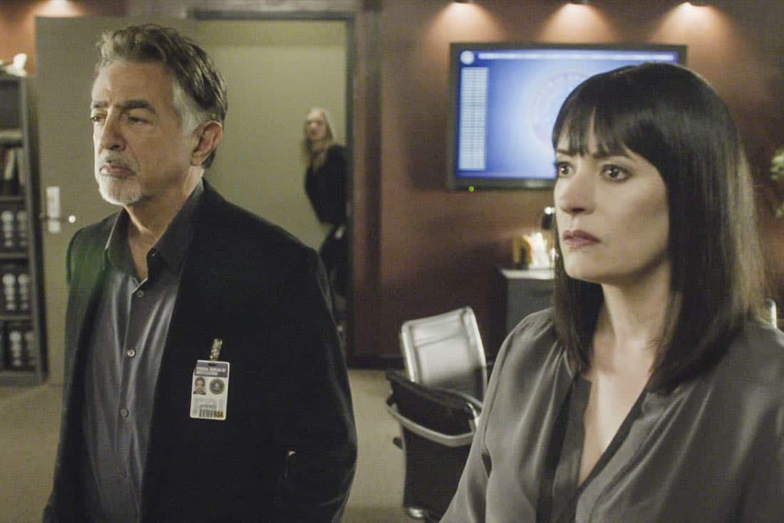 """""""Full-Tilt Boogie"""" -- The BAU team's investigation into the home invasion and attempted homicide of a police chief's wife uncovers a world of secrets in a small town in Virginia, on CRIMINAL MINDS, Wednesday, Jan. 10 (10:00-11:00 PM, ET/PT) on the CBS Television Network.  Pictured: Joe Mantegna (David Rossi), Paget Brewster (Emily Prentiss)   Photo: Best Screen Grab Available ©2017 CBS Broadcasting, Inc. All Rights Reserved"""