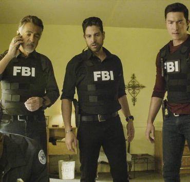 """Full-Tilt Boogie"" -- The BAU team's investigation into the home invasion and attempted homicide of a police chief's wife uncovers a world of secrets in a small town in Virginia, on CRIMINAL MINDS, Wednesday, Jan. 10 (10:00-11:00 PM, ET/PT) on the CBS Television Network. Pictured: Joe Mantegna (David Rossi), Adam Rodriguez (Luke Alvez), Daniel Henney (Matt Simmons) Photo: Best Screen Grab Available ©2017 CBS Broadcasting, Inc. All Rights Reserved"