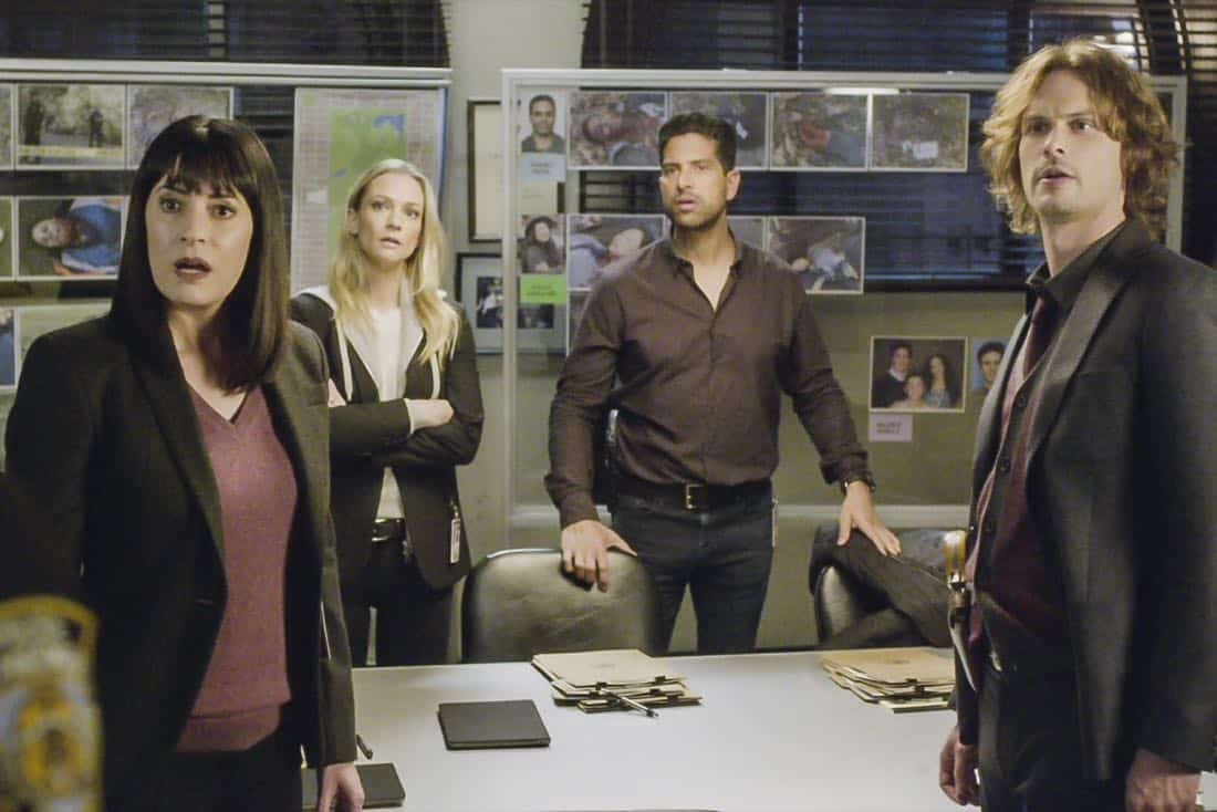 """""""Bad Moon on the Rise"""" -- The BAU is called to New York when several casualties of a brutal nature are reported in Central Park, on CRIMINAL MINDS, Wednesday, Jan. 17 (10:00-11:00 PM, ET/PT) on the CBS Television Network. Pictured: Paget Brewster (Emily Prentiss), A.J. Cook (Jennifer """"JJ"""" Jareau), Adam Rodriguez (Luke Alvez), Matthew Gray Gubler (Dr. Spencer Reid) Photo: Best Screen Grab Available ©2018 CBS Broadcasting, Inc. All Rights Reserved"""