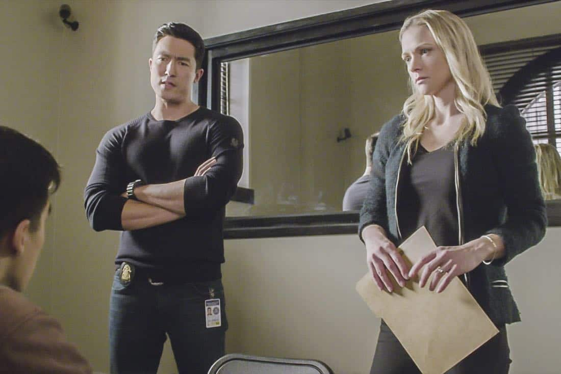 """""""Bad Moon on the Rise"""" -- The BAU is called to New York when several casualties of a brutal nature are reported in Central Park, on CRIMINAL MINDS, Wednesday, Jan. 17 (10:00-11:00 PM, ET/PT) on the CBS Television Network. Pictured: Daniel Henney (Matt Simmons), A.J. Cook (Jennifer """"JJ"""" Jareau) Photo: Best Screen Grab Available ©2018 CBS Broadcasting, Inc. All Rights Reserved"""