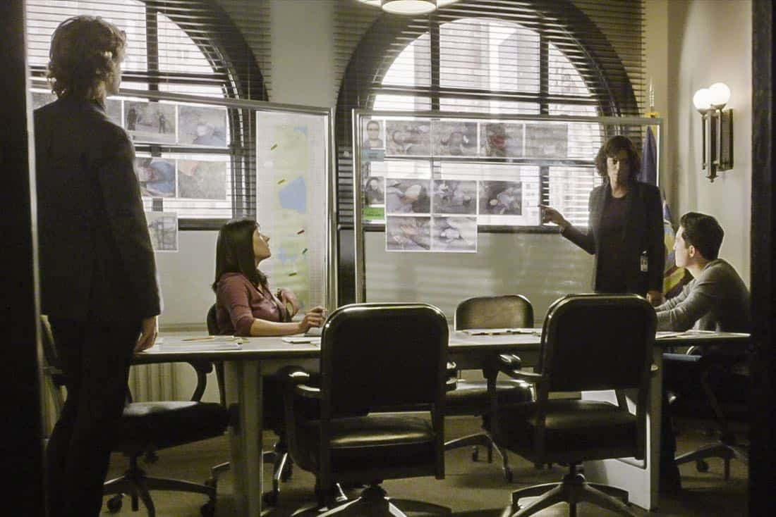 """""""Bad Moon on the Rise"""" -- The BAU is called to New York when several casualties of a brutal nature are reported in Central Park, on CRIMINAL MINDS, Wednesday, Jan. 17 (10:00-11:00 PM, ET/PT) on the CBS Television Network. Pictured: Paget Brewster (Emily Prentiss), Aisha Tyler (Dr. Tara Lewis), Daniel Henney (Matt Simmons) Photo: Best Screen Grab Available ©2018 CBS Broadcasting, Inc. All Rights Reserved"""