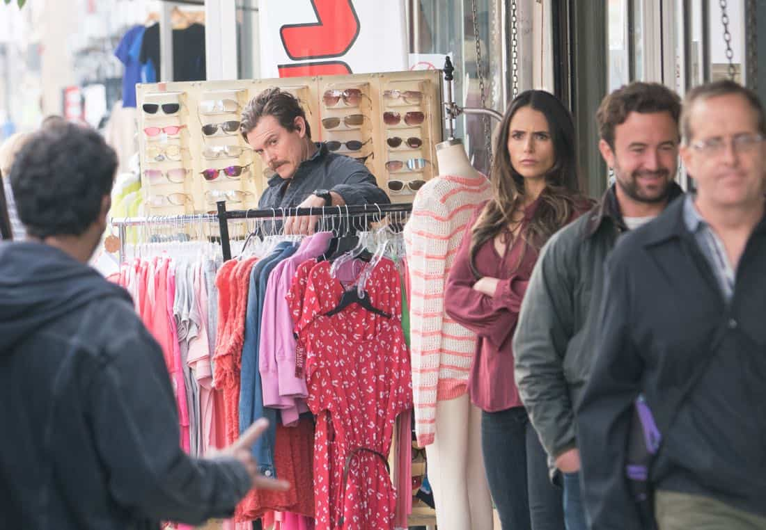 """LETHAL WEAPON: Pictured L-R: Clayne Crawford and Jordana Brewster in the """"Better Chemistry"""" episode of LETHAL WEAPON airing Tuesday, Jan. 9 (8:00-9:00 PM ET/PT) on FOX. ©2017 Fox Broadcasting Co. CR: Michael Desmond/FOX"""