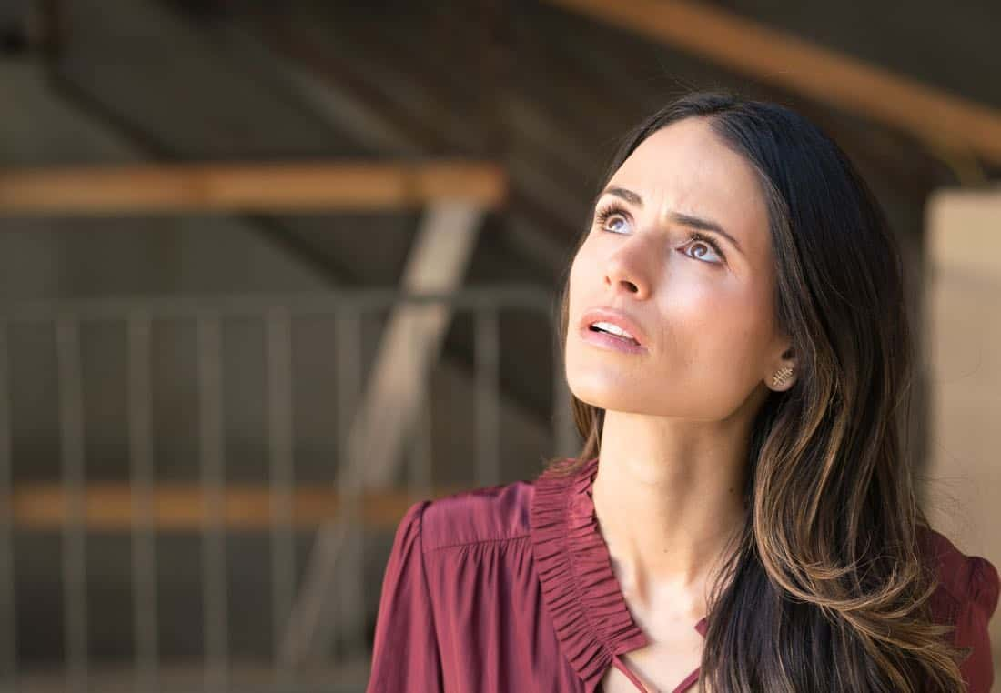 """LETHAL WEAPON: Jordana Brewster in the """"Better Chemistry"""" episode of LETHAL WEAPON airing Tuesday, Jan. 9 (8:00-9:00 PM ET/PT) on FOX. ©2017 Fox Broadcasting Co. CR: Michael Desmond/FOX"""