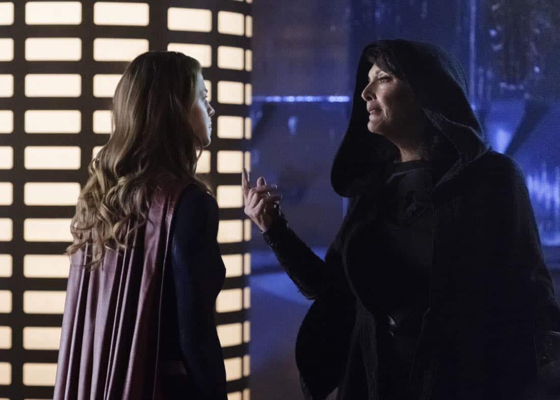"""Supergirl -- """"Fort Rozz"""" -- Image Number: SPG311b_0032.jpg -- Pictured (L-R): Melissa Benoist as Kara/Supergirl and Sarah Douglas as Jindah Kol Rozz -- Photo: Michael Courtney/The CW -- © 2018 The CW Network, LLC. All rights reserved."""