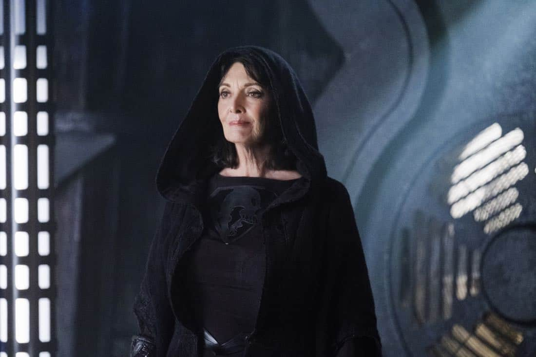 """Supergirl -- """"Fort Rozz"""" -- Image Number: SPG311b_0075.jpg -- Pictured: Sarah Douglas as Jindah Kol Rozz -- Photo: Michael Courtney/The CW -- © 2018 The CW Network, LLC. All rights reserved."""
