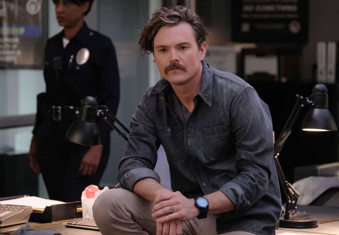 "LETHAL WEAPON: Clayne Crawford in the ""Double Shot of Bailey's"" episode of LETHAL WEAPON airing Tuesday, Jan. 16 (8:00-9:00 PM ET/PT) on FOX. ©2017 Fox Broadcasting Co. CR: Darren Michaels/FOX"