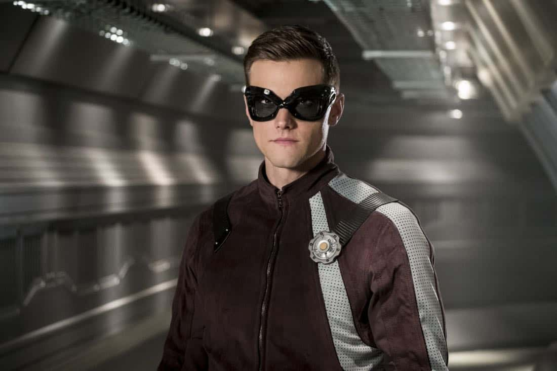 "Flash -- ""The Elongated Knight Rises"" -- Image Number: FLA411b_0381b.jpg -- Pictured: Hartley Sawyer as Dibney/Elongated Man -- Photo: Katie Yu/The CW -- © 2018 The CW Network, LLC. All rights reserved"