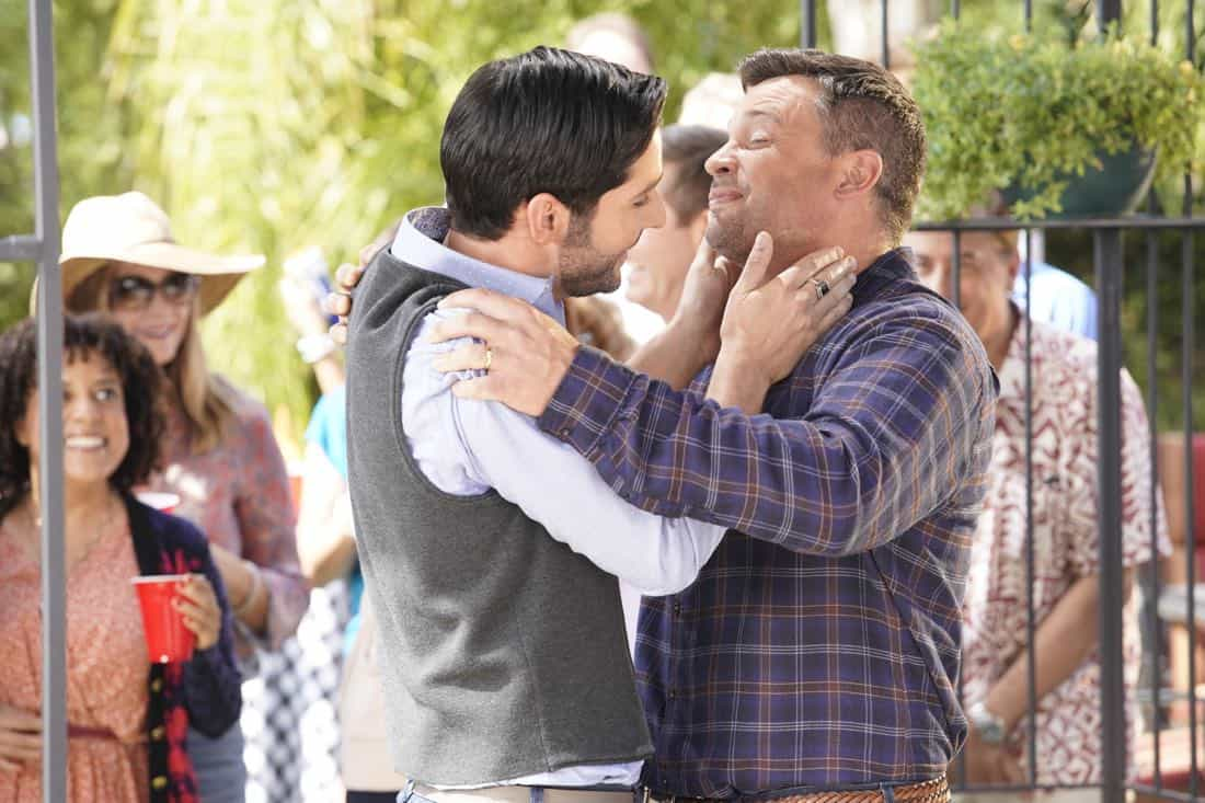 "LUCIFER: L-R: Tom Ellis and Tom Welling in the ""Til Death Do Us Part"" episode of LUCIFER airingMonday, Jan. 29(8:00-9:00 PM ET/PT) on FOX. CR: FOX"
