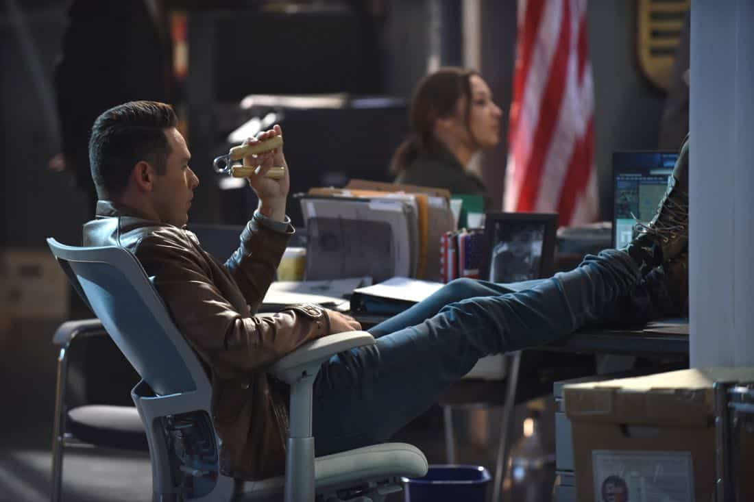 Lucifer Ep309 Sc38 Ray 0534 f hires2