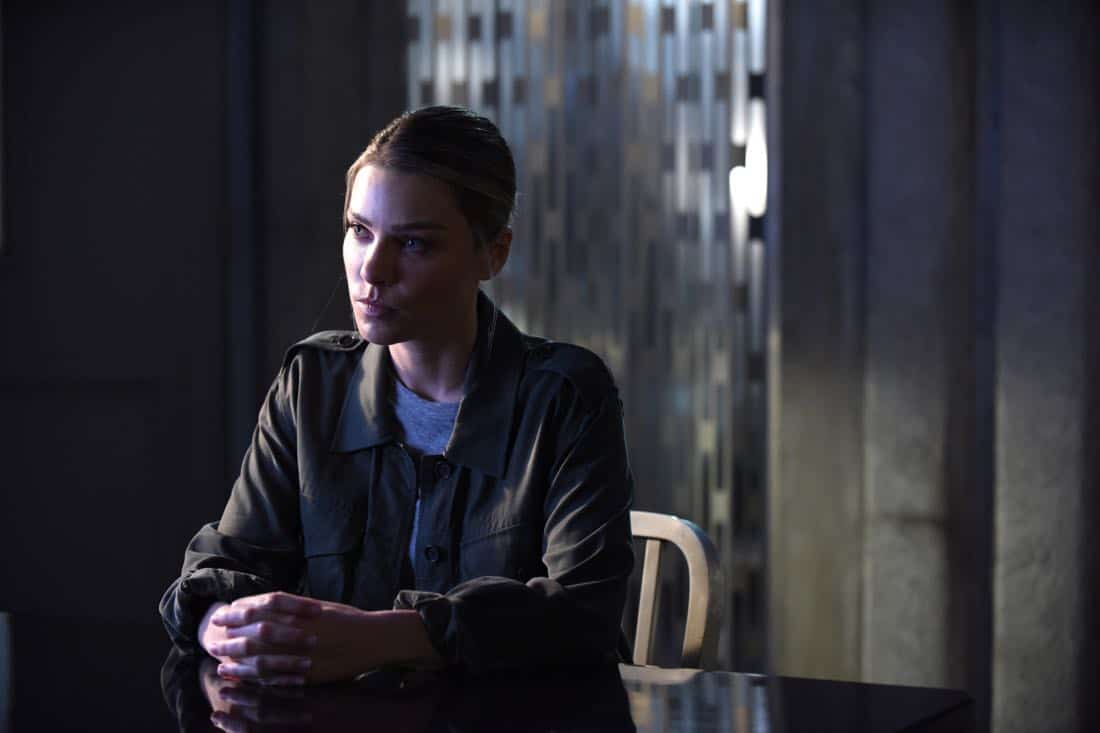 Lucifer Ep309 Sc28 Ray 0512 f hires2