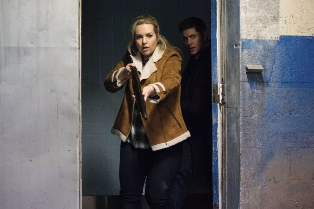 """Supernatural -- """"Breakdown"""" -- Image Number: SN1311b_0070b.jpg -- Pictured (L-R): Briana Buckmaster as Donna and Jensen Ackles as Dean -- Photo: Dean Buscher/The CW -- © 2018 The CW Network, LLC All Rights Reserved"""