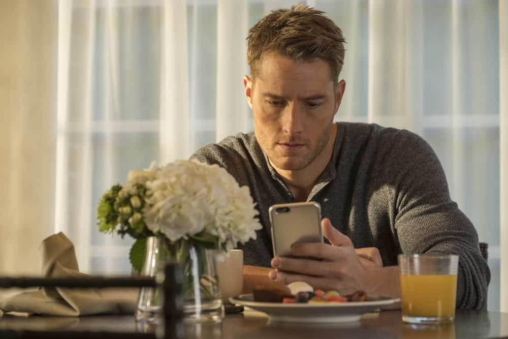 """THIS IS US -- """"That'll Be The Day"""" Episode 213 -- Pictured: Justin Hartley as Kevin -- (Photo by: Ron Batzdorff/NBC)"""