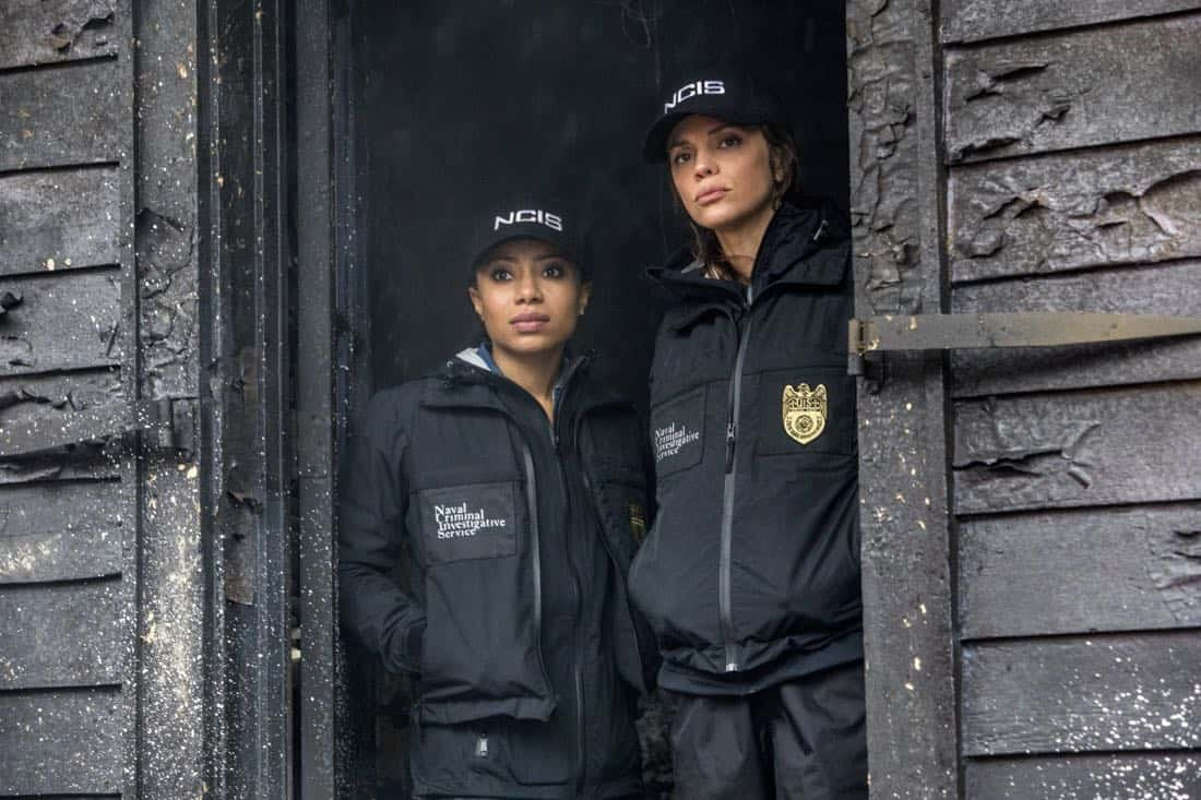 """Ties That Bind"" -- A petty officer's murder leads the team to a family-owned night club where Pride's mother used to perform weekly. Also, Lasalle must urgently return home to Alabama after receiving an unexpected call from his family, on NCIS: NEW ORLEANS, Tuesday, Jan. 23 (10:00-11:00 PM, ET/PT) on the CBS Television Network. Pictured L-R: Shalita Grant as Sonja Percy and Vanessa Ferlito as FBI Special Agent Tammy Gregorio Photo: Skip Bolen/CBS ©2017 CBS Broadcasting, Inc. All Rights Reserved"
