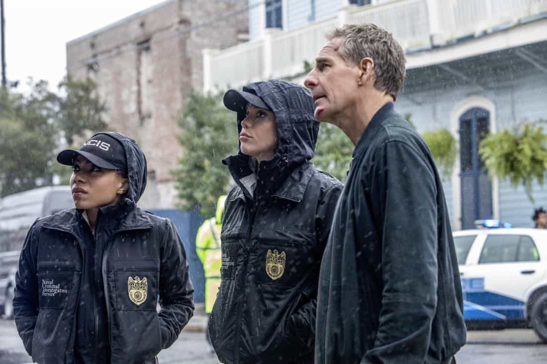 """Ties That Bind"" -- A petty officer's murder leads the team to a family-owned night club where Pride's mother used to perform weekly. Also, Lasalle must urgently return home to Alabama after receiving an unexpected call from his family, on NCIS: NEW ORLEANS, Tuesday, Jan. 23 (10:00-11:00 PM, ET/PT) on the CBS Television Network. Pictured L-R: Shalita Grant as Sonja Percy, Vanessa Ferlito as FBI Special Agent Tammy Gregorio, and Scott Bakula as Special Agent Dwayne Pride Photo: Skip Bolen/CBS ©2017 CBS Broadcasting, Inc. All Rights Reserved"