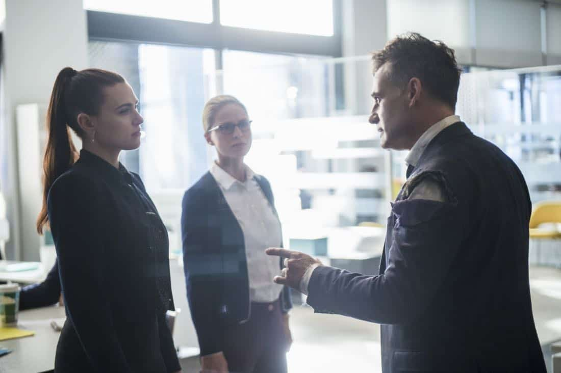 "Supergirl -- ""For Good"" -- Image Number: SPG312a_0295.jpg -- Pictured (L-R): Katie McGrath as Lena Luthor, Melissa Benoist as Kara/Supergirl and Adrian Pasdar as Morgan Edge -- Photo: Diyah Pera/The CW -- © 2018 The CW Network, LLC. All Rights Reserved."