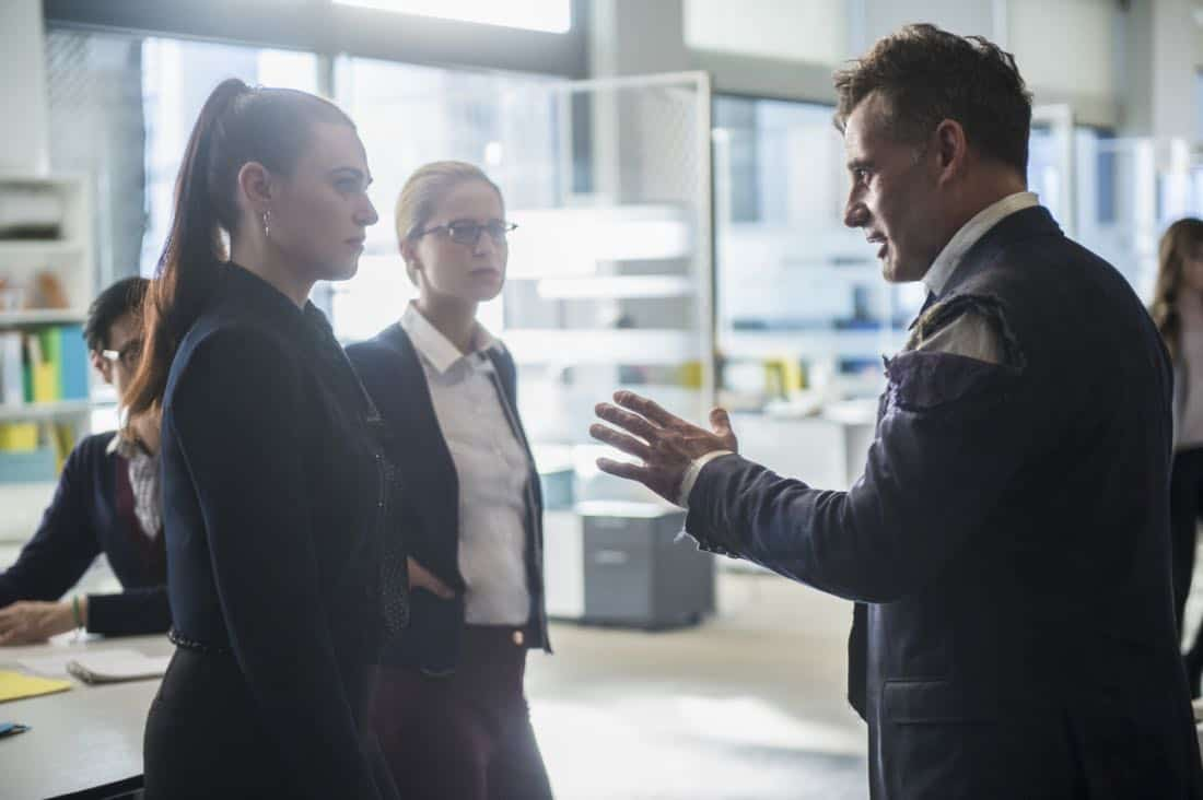 "Supergirl -- ""For Good"" -- Image Number: SPG312a_0324.jpg -- Pictured (L-R): Katie McGrath as Lena Luthor, Melissa Benoist as Kara/Supergirl and Adrian Pasdar as Morgan Edge -- Photo: Diyah Pera/The CW -- © 2018 The CW Network, LLC. All Rights Reserved."