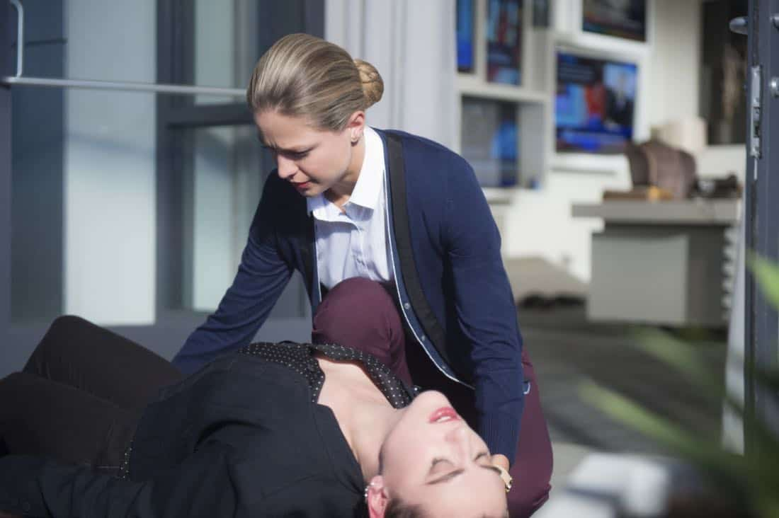 "Supergirl -- ""For Good"" -- Image Number: SPG312a_0259.jpg -- Pictured (L-R): Katie McGrath as Lena Luthor and Melissa Benoist as Kara/Supergirl -- Photo: Diyah Pera/The CW -- © 2018 The CW Network, LLC. All Rights Reserved."