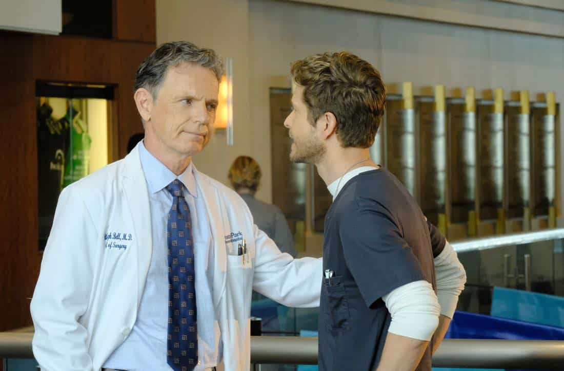 "THE RESIDENT: L-R: Bruce Greenwood and Matt Czuchry in the ""Independence Day"" time period premiere episode of THE RESIDENT airing Monday, Jan. 22 (9:00-10:00 PM ET/PT) on FOX ©2017 Fox Broadcasting Co. Cr: Guy D'Alema/FOX"