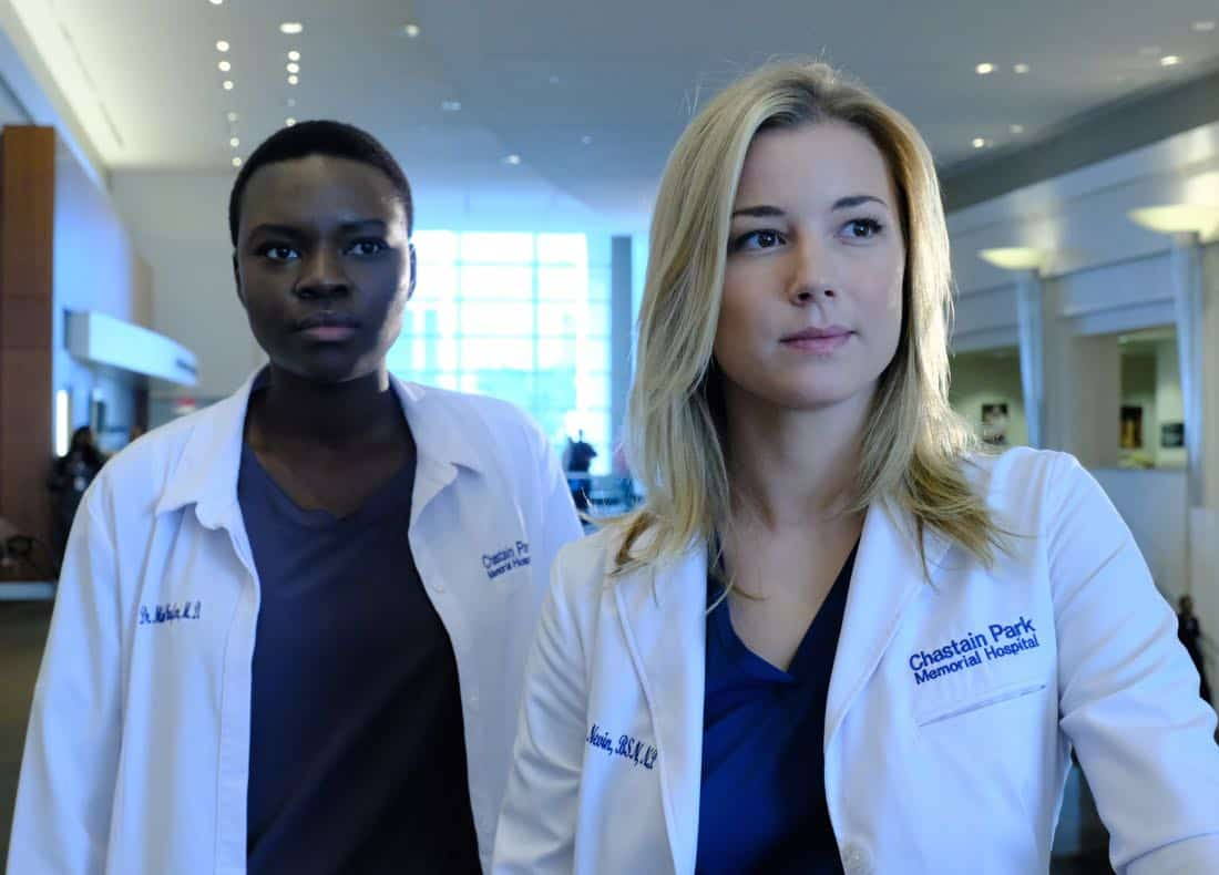 "THE RESIDENT: L-R: Shaunette Renée Wilson and Emily VanCamp in the ""Independence Day"" time period premiere episode of THE RESIDENT airing Monday, Jan. 22 (9:00-10:00 PM ET/PT) on FOX ©2017 Fox Broadcasting Co. Cr: Guy D'Alema/FOX"