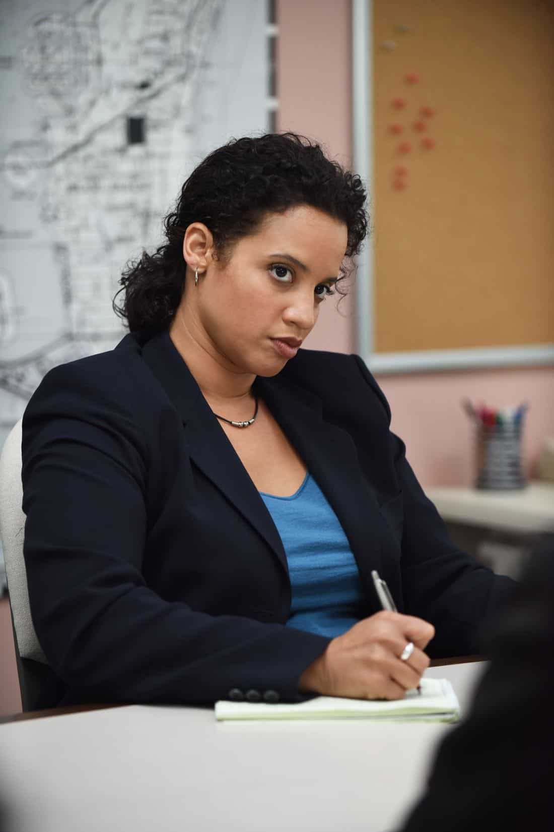 "THE ASSASSINATION OF GIANNI VERSACE: AMERICAN CRIME STORY ""Manhunt"" Episode 2 (Airs Wednesday. January 24, 10:00 p.m. e/p) -- Pictured: Dascha Polanco as Lori. CR: Ray Mickshaw/FX"