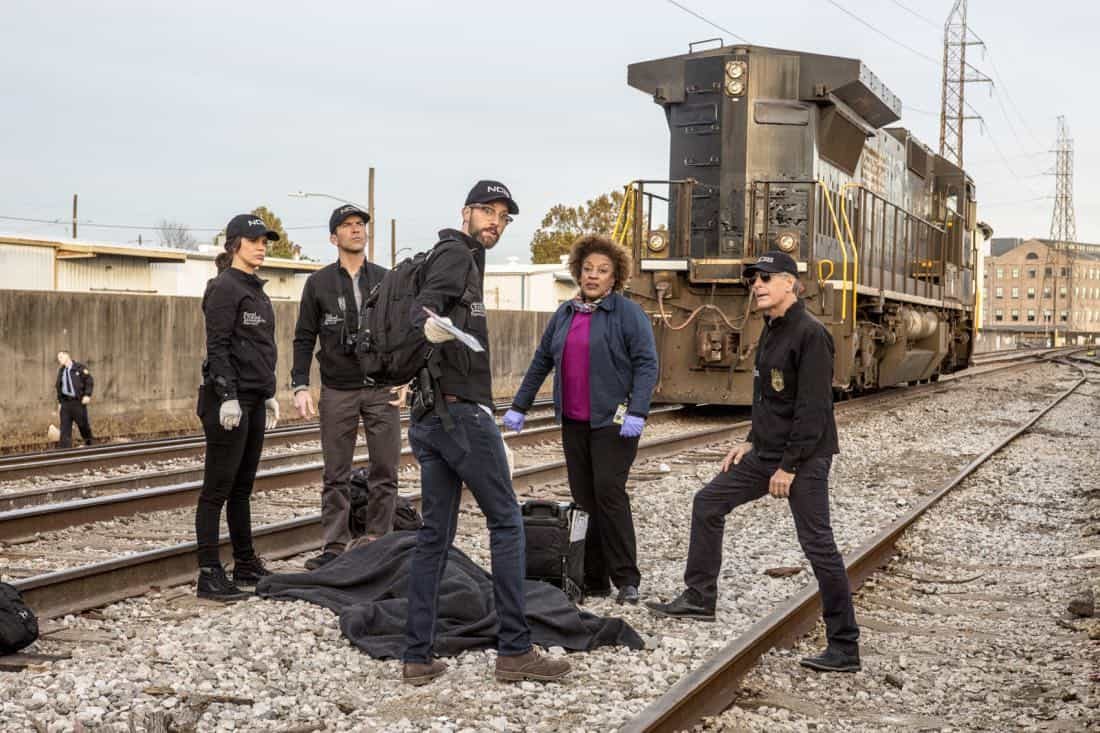 """""""A New Dawn"""" -- The NCIS team investigates the murder of a petty officer who was in town to help a refugee family being recruited by terrorists. Also, Wade works on the special election campaign for Mayor Zahra Taylor (Amanda Warren) that takes place during Mardi Gras, on NCIS: NEW ORLEANS, Tuesday, Feb. 6 (10:00-11:00 PM, ET/PT) on the CBS Television Network. Pictured L-R: Vanessa Ferlito as FBI Special Agent Tammy Gregorio, Lucas Black as Special Agent Christopher LaSalle, Rob Kerkovich as Forensic Scientist Sebastian Lund, CCH Pounder as Dr. Loretta Wade, and Scott Bakula as Special Agent Dwayne Pride Photo: Skip Bolen/CBS ©2017 CBS Broadcasting, Inc. All Rights Reserved"""