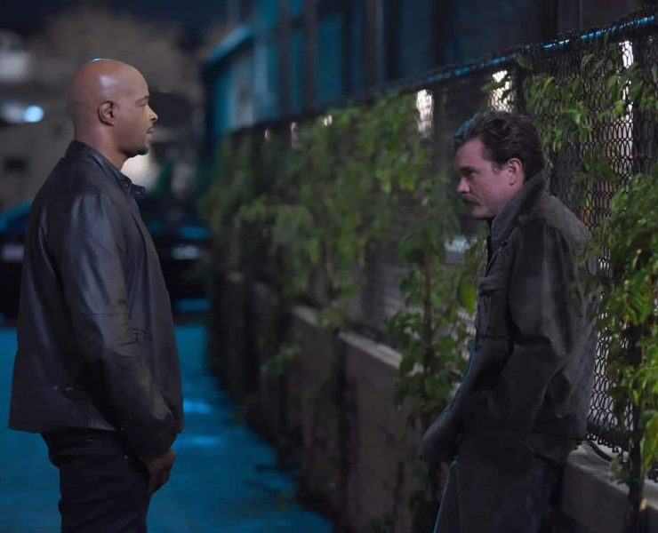 """LETHAL WEAPON: Pictured L-R: Damon Wayans and Clayne Crawford in the """"Inconvenient Ruth"""" episode of LETHAL WEAPON airing Tuesday, Feb. 6 (8:00-9:00 PM ET/PT) on FOX. ©2018 Fox Broadcasting Co. CR: Ray Mickshaw/FOX"""