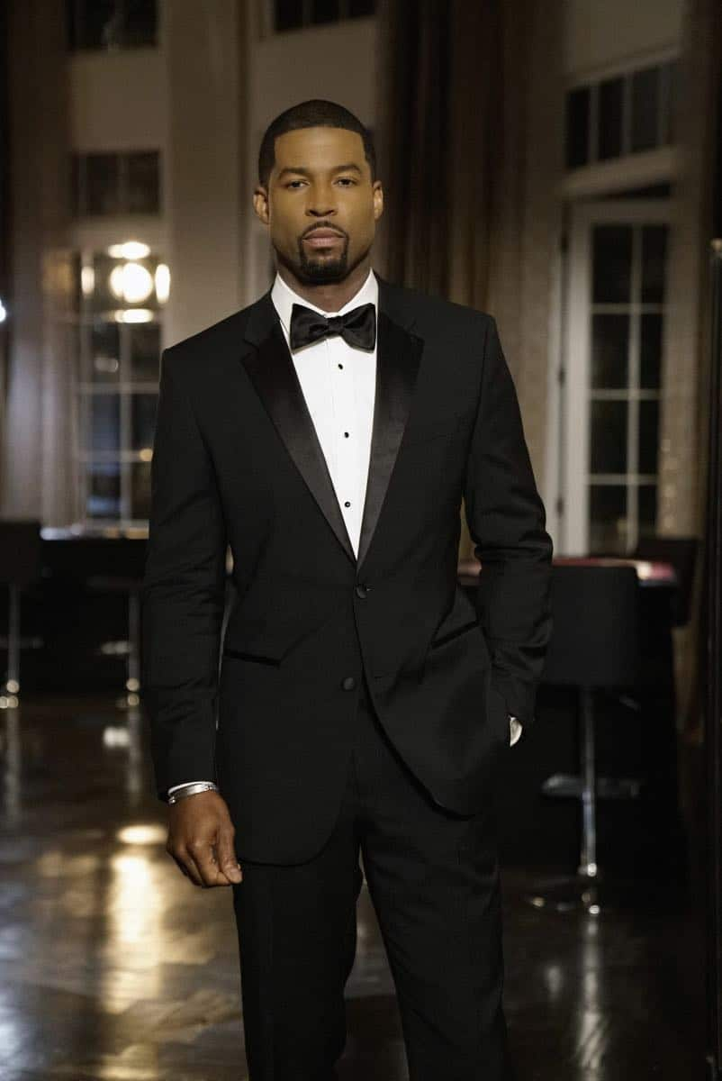 "Dynasty -- ""Promises You Can't Keep"" -- Image Number: DYN112b_0153b.jpg -- Pictured: Robert Christopher Riley as Culhane -- Photo: Jace Downs/The CW -- © 2018 The CW Network, LLC. All Rights Reserved."