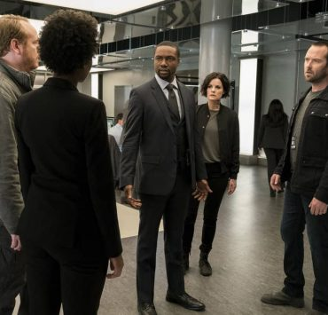 "BLINDSPOT -- ""Two Legendary Chums"" Episode 312 -- Pictured: (l-r) Rob Brown as Edgar Reade, Jaimie Alexander as Jane Doe, Sullivan Stapleton as Kurt Weller -- (Photo by: David Giesbrecht/NBC/Warner Bros.)"