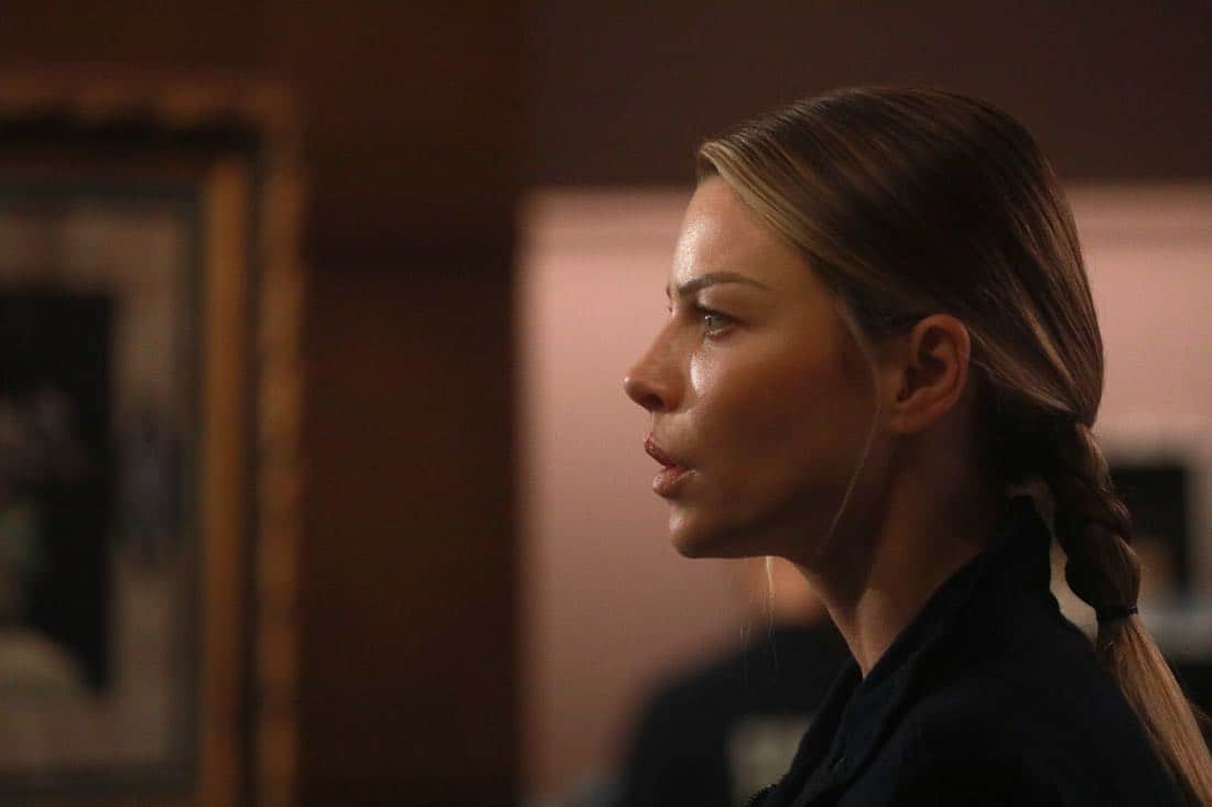 "LUCIFER: Lauren German in the ""My Brother's Keeper"" episode of LUCIFER airing Monday, Feb. 5 (8:00-9:00 PM ET/PT) on FOX. CR: JORDIN ALTHAUS/FOX"