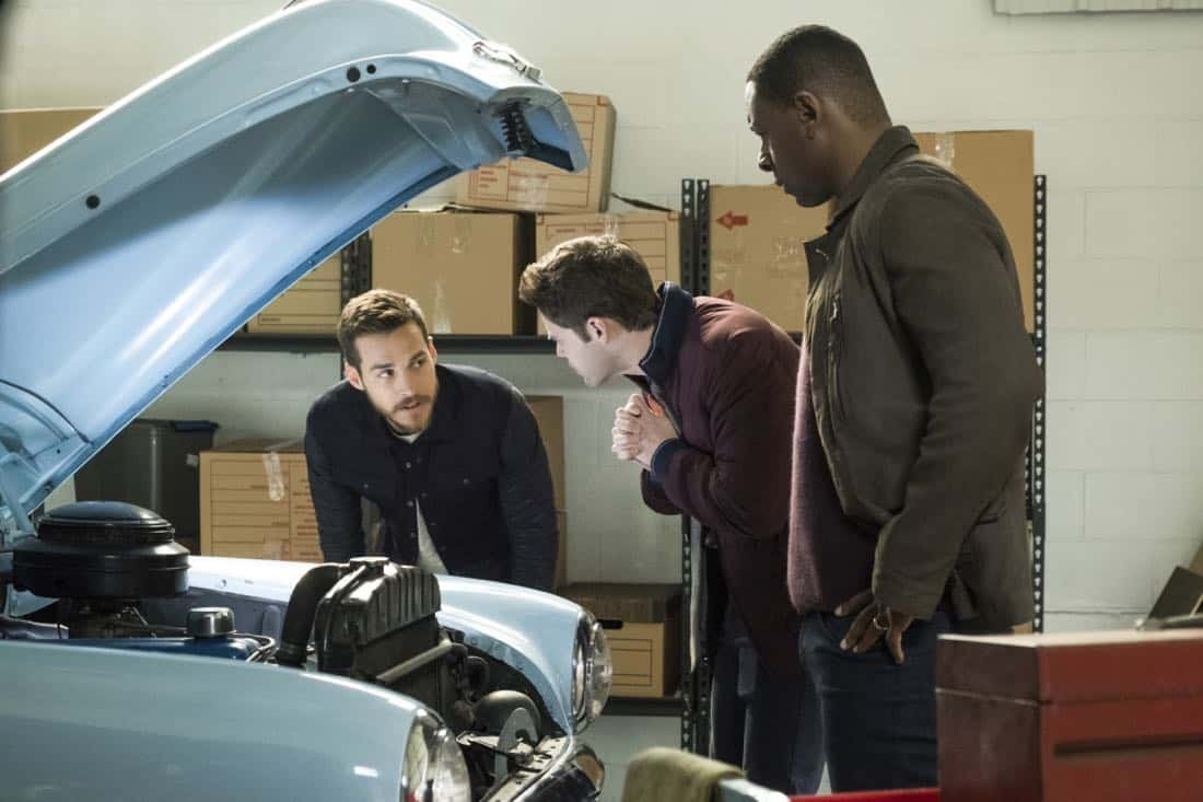 """Supergirl -- """"Both Sides Now"""" -- Image Number: SPG313b_0024.jpg -- Pictured (L-R): Chris Wood as Mon-El, Jeremy Jordan as Winn and David Harewood as Hank/J'onn -- Photo: Katie Yu/The CW -- © 2018 The CW Network, LLC. All Rights Reserved."""