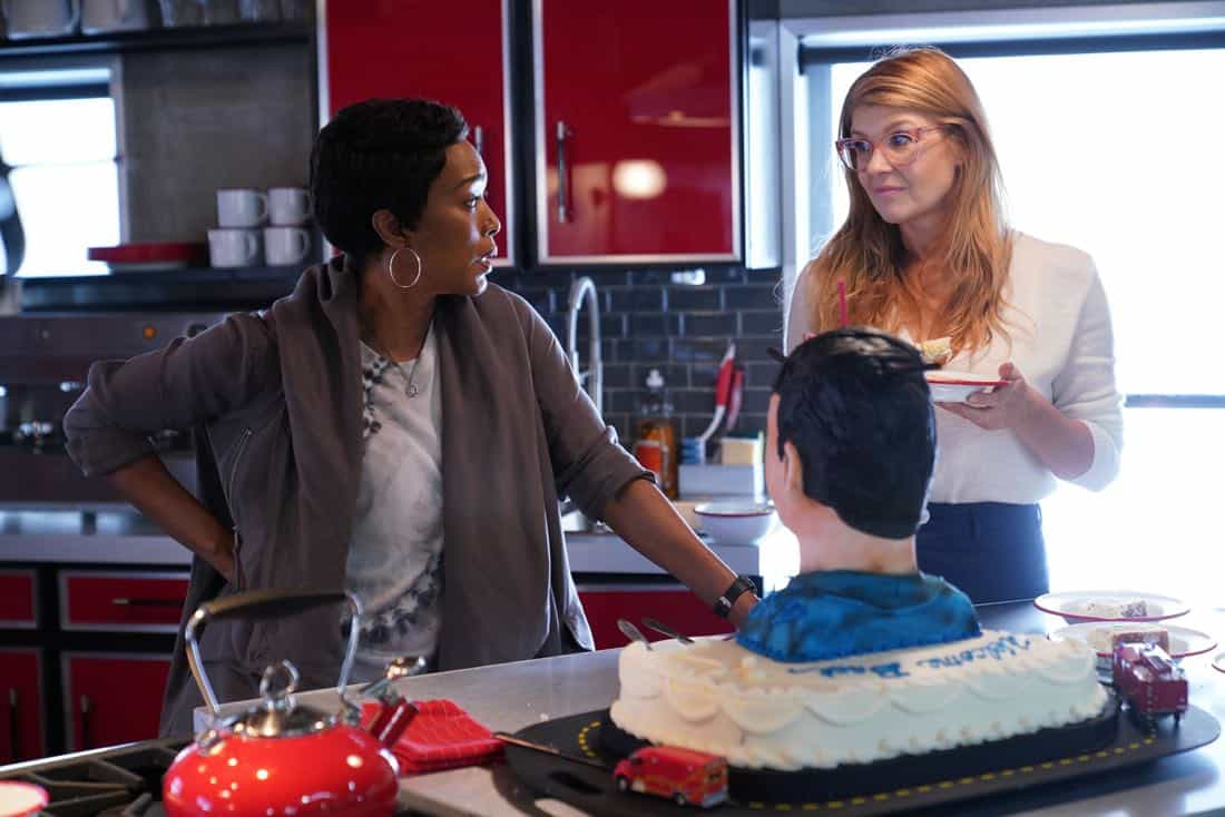 """9-1-1: L-R: Angela Bassett and Connie Britton in the all-new """"Heartbreaker"""" episode of 9-1-1 airing Wednesday, Feb. 7 (9:00-10:00 PM ET/PT) on FOX. CR: FOX. © 2018 FOX Broadcasting."""