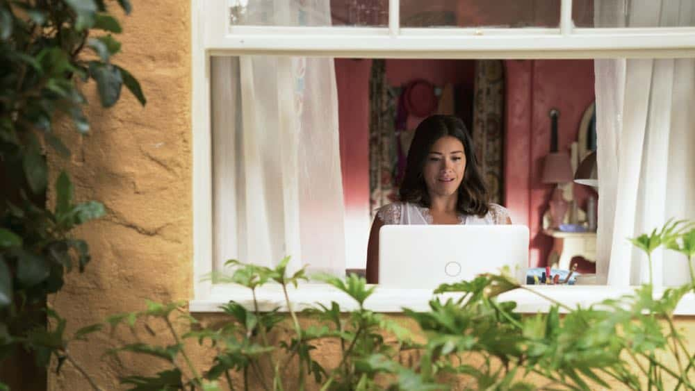 """Jane The Virgin -- """"Chapter Seventy-Three"""" -- Image Number: JAV409a_0006.jpg -- Pictured: Gina Rodriguez as Jane -- Photo: Michael Desmond/The CW -- © 2018 The CW Network, LLC. All Rights Reserved."""