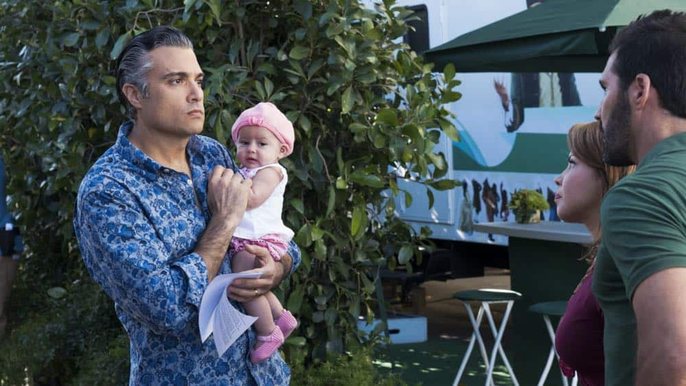 "Jane The Virgin -- ""Chapter Seventy-Three"" -- Image Number: JAV409a_0077.jpg -- Pictured (L-R): Jaime Camil as Rogelio, Justina Machado as Darci and Keller Wortham as Esteban -- Photo: Michael Desmond/The CW -- © 2018 The CW Network, LLC. All Rights Reserved."