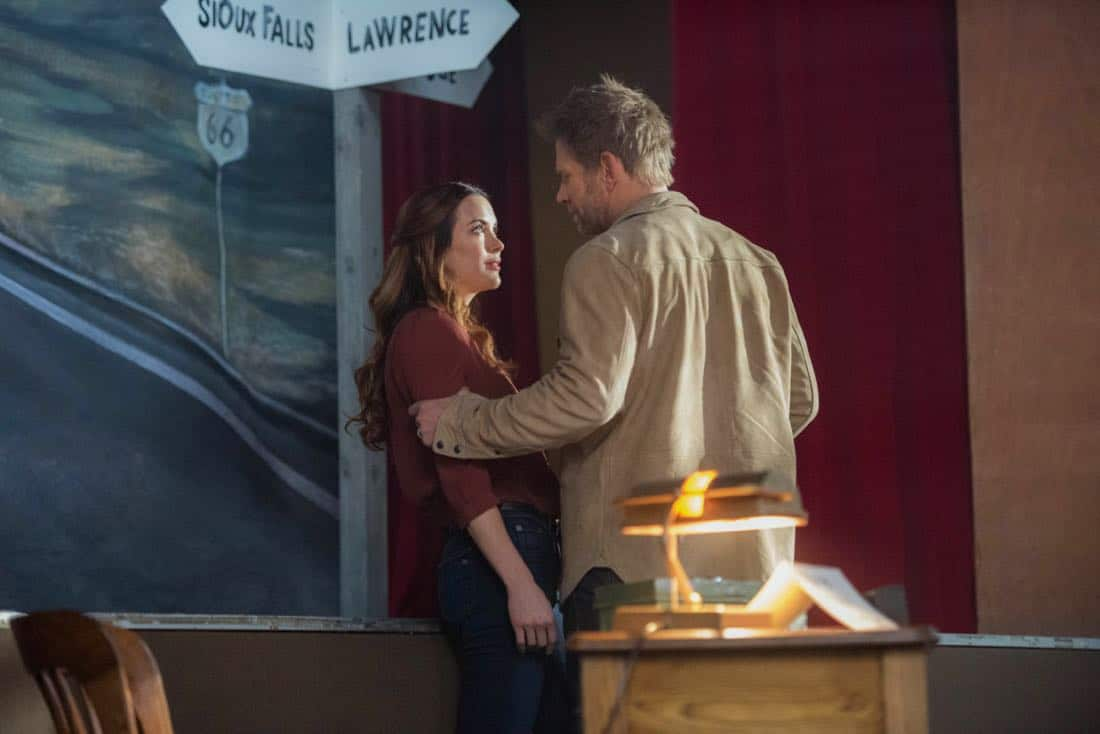 """Supernatural -- """"Devil's Bargain"""" -- Image Number: SN1313b_0016b.jpg -- Pictured (L-R): Danneel Ackles as Jo and Mark Pellegrino as Lucifer -- Photo: Dean Buscher/The CW -- © 2018 The CW Network, LLC All Rights Reserved"""