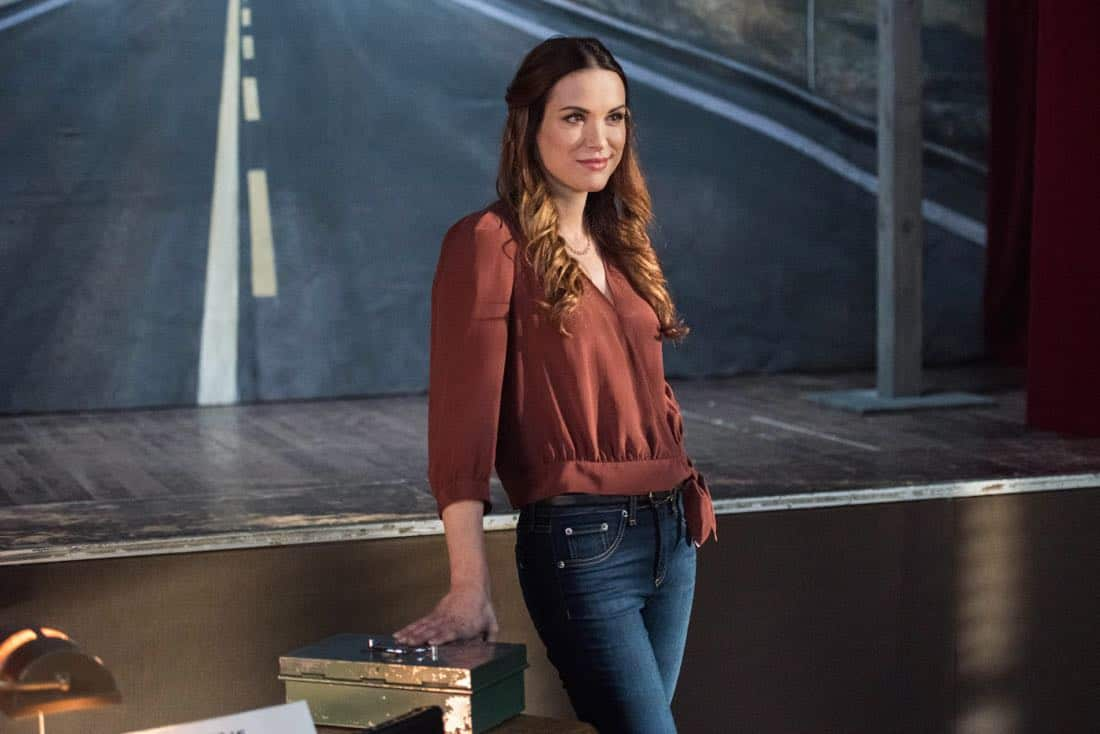 """Supernatural -- """"Devil's Bargain"""" -- Image Number: SN1313b_0074b.jpg -- Pictured: Danneel Ackles as Jo -- Photo: Dean Buscher/The CW -- © 2018 The CW Network, LLC All Rights Reserved"""