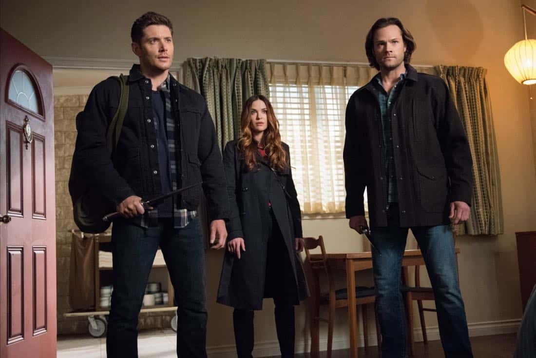 """Supernatural -- """"Devil's Bargain"""" -- Image Number: SN1313a_0030b.jpg -- Pictured (L-R): Jensen Ackles as Dean, Danneel Ackles as Jo and Jared Padalecki as Sam -- Photo: Dean Buscher/The CW -- © 2018 The CW Network, LLC All Rights Reserved"""