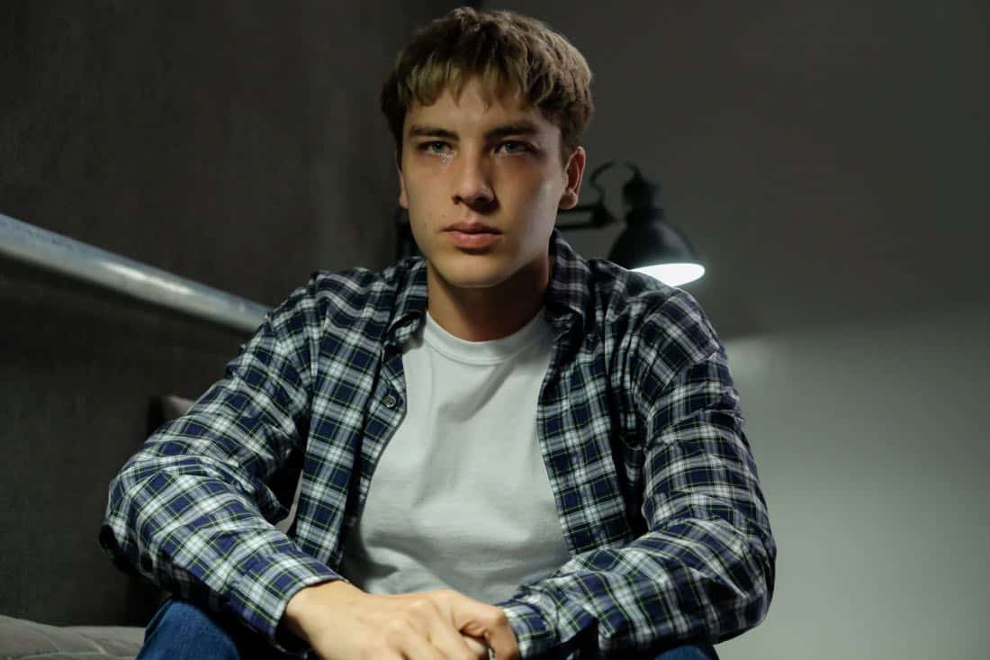"""THE ASSASSINATION OF GIANNI VERSACE: AMERICAN CRIME STORY """"House by the Lake"""" Episode 4 (Airs Wednesday, February 7, 10:00 p.m. e/p) -- Pictured: Cody Fern as David Madson. CR: Ray Mickshaw/FX"""
