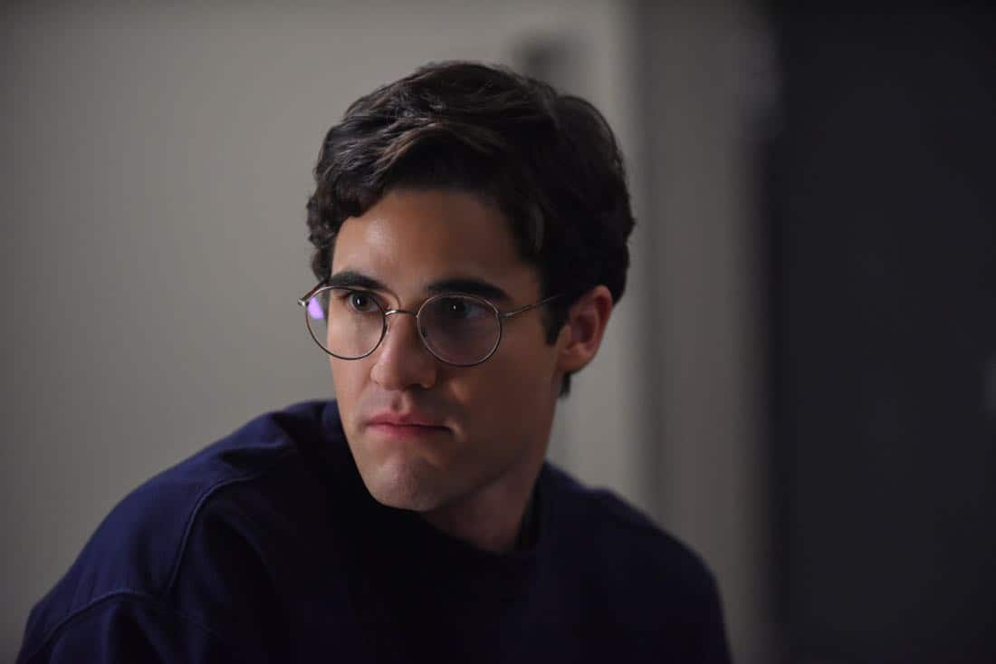 """THE ASSASSINATION OF GIANNI VERSACE: AMERICAN CRIME STORY """"House by the Lake"""" Episode 4 (Airs Wednesday, February 7, 10:00 p.m. e/p) -- Pictured: Darren Criss as Andrew Cunanan. CR: Ray Mickshaw/FX"""