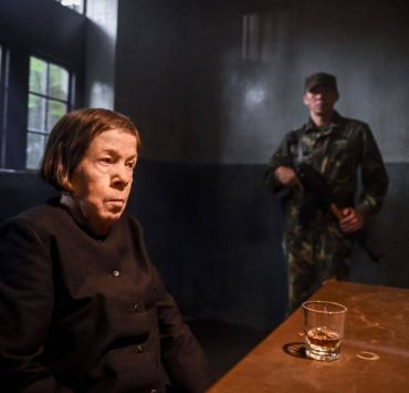 "Goodbye, Vietnam Pictured: Linda Hunt (Henrietta ""Hetty"" Lange). Callen, Sam, Kensi and Deeks join HettyÕs team from the Vietnam War, Sterling Bridges (James Remar), A.J. Chegwidden (John M. Jackson) and Charles Langston (Carl Lumbly) in a dangerous and off-the-books rescue mission to save Hetty from her captors in Vietnam. Also, Mosley calls in NellÕs sister, Homeland Security Specialist Sydney Jones (Ashley Spillers) to assist the team in Los Angeles with processing evidence connected to HettyÕs time in Vietnam, on NCIS: LOS ANGELES, Sunday, March 11 (9:00-10:00 PM, ET/PT) on the CBS Television Network. Photo: Ron P. Jaffe/CBS ©2017 CBS Broadcasting, Inc. All Rights Reserved."