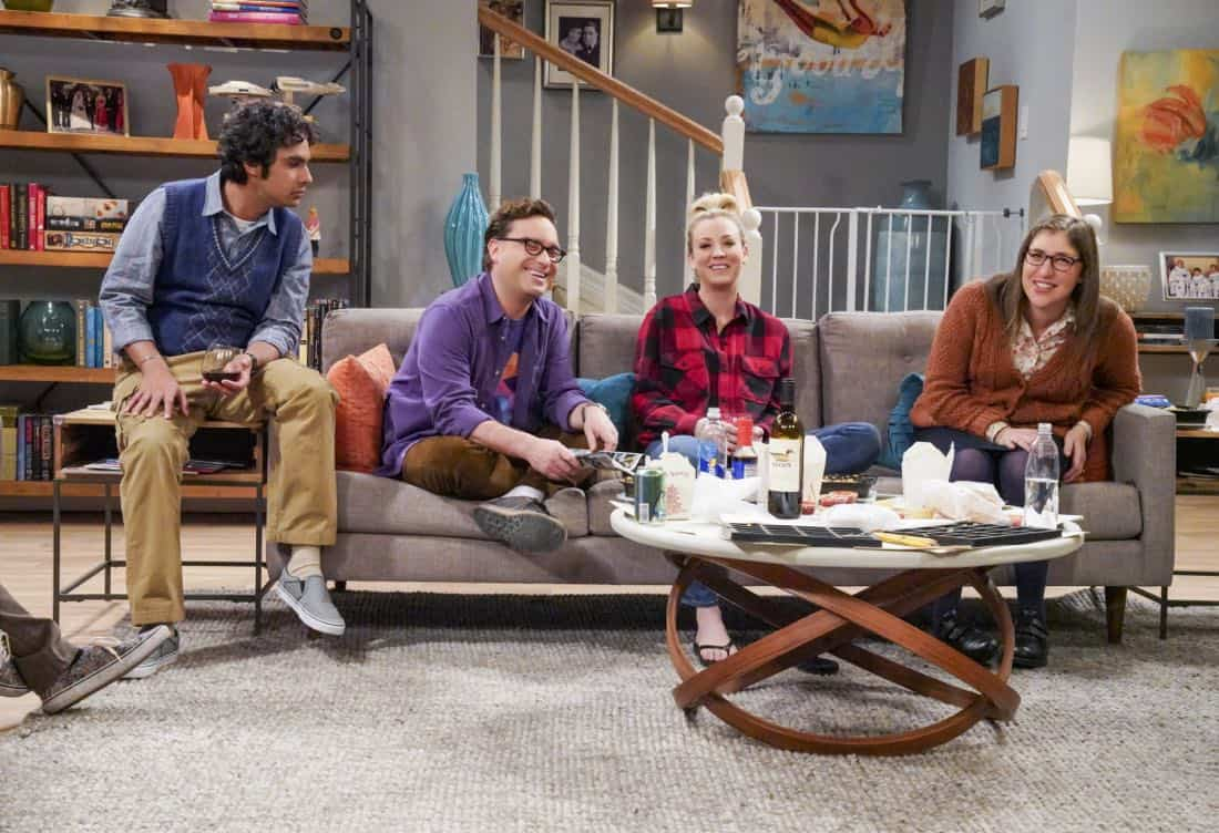 ÒThe Neonatal NomenclatureÓ Ð Pictured: Rajesh Koothrappali (Kunal Nayyar), Leonard Hofstadter (Johnny Galecki), Penny (Kaley Cuoco) and Amy Farrah Fowler (Mayim Bialik). When Bernadette wonÕt go into labor, all her friends try different tactics to get things started. Also, Wolowitz confronts Bernadette after Amy accidentally reveals sheÕs already chosen their sonÕs name, on THE BIG BANG THEORY, Thursday, March 1 (8:00-8:31 PM, ET/PT), on the CBS Television Network. Photo: Bill Inoshita/CBS ©2018 CBS Broadcasting, Inc. All Rights Reserved.