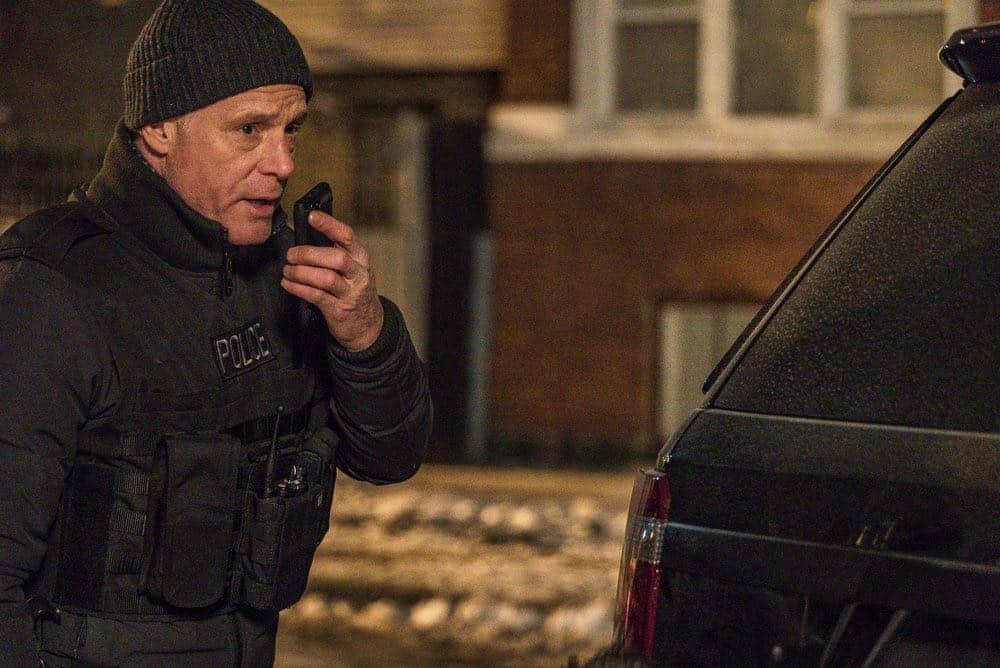 """CHICAGO P.D. -- """"Anthem"""" Episode 514 -- Pictured: Jason Beghe as Hank Voight -- (Photo by: Matt Dinerstein/NBC)"""