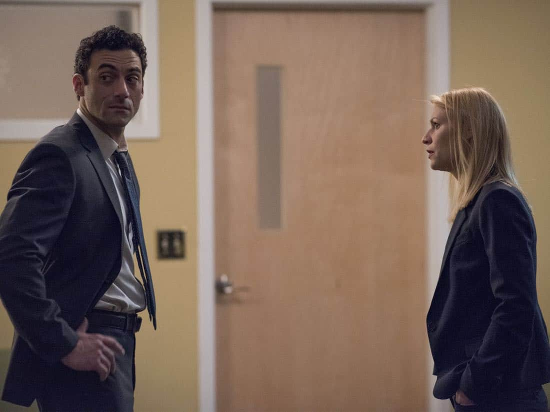 "Morgan Spector as Dante and Claire Danes as Carrie Mathison in HOMELAND (Season 7, Episode 01, ""Enemy of the State"") - Photo: Antony Platt/SHOWTIME  - Photo: HOMELAND_701_5982.R.jpg"
